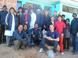 Mensaje a Fidel de los médicos cubanos y bolivianos en Potosí Bolivia.