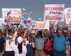 Unidos por la Patria y con Fidel al Primero de Mayo.