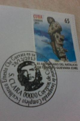 Cancelan sello conmemorativo por el aniversario 25 de la Plaza Ernesto Guevara de Santa Clara.