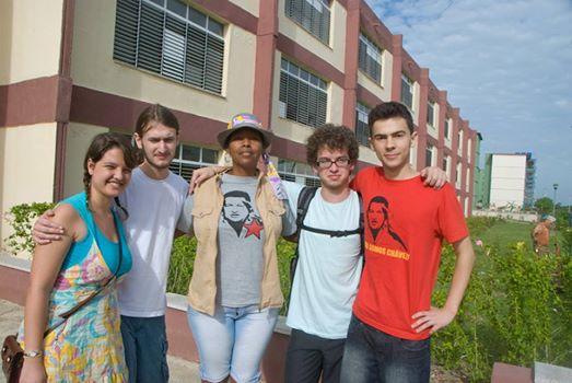 Estudiantes brasileños impactados con Cuba  y nuestro pueblo.